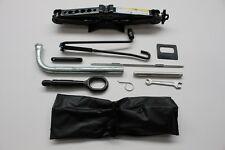 Org Audi A3 S3 8V Wagenheber 8V0011031A car jack Steckschlüssel socket wrench
