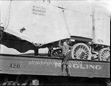 Photo ca 1930 Ringling Brothers Circus - Boy Breaking Rules & Viewing Lions