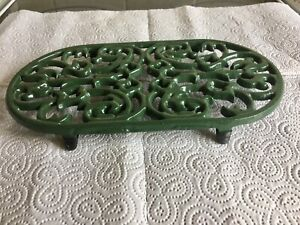 LARGE  VINTAGE GREEN  OVAL CAST IRON TRIVET , KITCHEN POT STAND