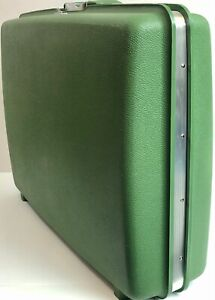 "Vintage 👑Royal Traveler ""Aurora"" Green Hard Shell Luggage Suitcase w/2 👑Keys"