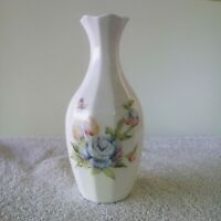 HAMMERSLEY Bone China VASE with Floral and Leave Designs White Blue