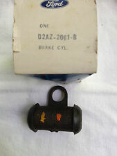 1972 Ford full size right front wheel cylinder D2AZ-2061-B  NOS