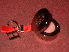 Gloss Carolina Herrera compacto 1g Net Weight 0.035 Oz para llevar en el bolso