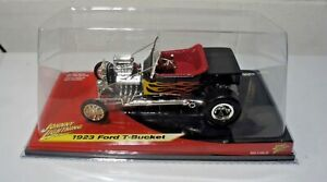 Johnny Lighting 1923 Ford T-Bucket Black with Yellow Flames 1:18 Scale NEW