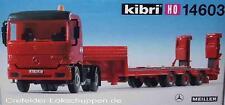 KIBRI 14603 ACTROS con Semirremolque plataforma baja nuevo y emb. orig.