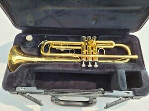Yamaha YTR 200AD Advantage with Mouthpiece and Case Gold Brass Trumpet
