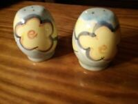 Salt and Pepper Shakers Vintage Ceramic Artist 's Touch