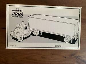 Vintage *NEW*  First Gear 1960 Mack Truck B-61 Tractor Trailer Horlacher's Beer