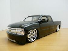 CHEVROLET SILVERADO PICK UP noir  DUB TUNING 1/18