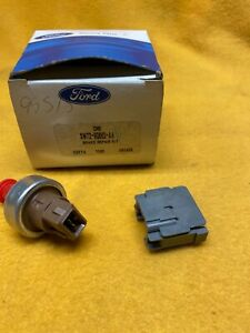 NEW OEM Ford Cruise Control Brake Switch Kit XW7Z-9G652-AA Crown Victoria 92-93