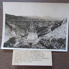 PHOTOGRAPHIE DE PRESSE 1941 GUERRE DANS LES BALKANS MONASTIR PONT CHEMIN DE FER