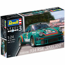 REVELL Porsche 934 RSR Vaillant 1:24 Car Model Kit 07032