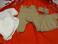 lot=bébé ou poupon collin ,bella, gégé,famosa...  vétements tricotés beiges