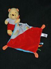 Peluche doudou Winnie Pooh DISNEY NICOTOY mouchoir rouge oiseau 18 cm TTBE