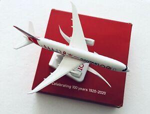 🛩Qantas 787  💯100th Anniversary Years Diecast Metal Plane Model 19cm  1: 300🛩