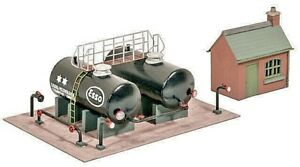 RATIO 529 OIL DEPOT KIT - WITH OFFICE BUILDING  OO / HO  SCALE