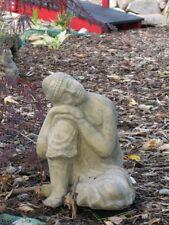 Buddha ruhend frostfester Steinguss patiniert