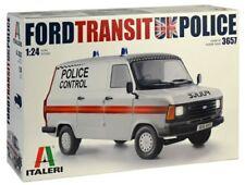 Italeri 3657 Ford TRANSIT MK 2 Police Van 1 24 Scale Kit
