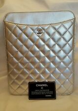 $795 NEW CHANEL Metalic Lambskin Leather  Quilted  CC Logo iPad Case