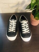 Coach Women Signature  Canvas  Sneakers Size 9.5 B, Black And Silver Trimming