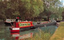 R243822 Britains Inland Waterways. Narrow boat entering Shipton Weir Lock. Oxfor