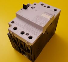 Siemens Circuit Breaker 3VU1600-2MP00 22-32A 3 Pole 600 V Aux. Contacts 2NO