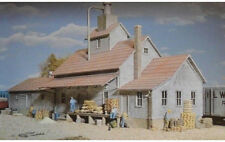 Walthers Cornerstone HO Scale Building/Structure Kit Sunrise Grain Feed Mill