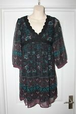Ladies Pretty Evie Dress Size 8 Floral & Paisley Print Crocheted Detail