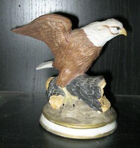 VINTAGE PORCELAIN EAGLE FIGURINE BEAUTIFUL DESIGN ROYAL HERITAGE  NR
