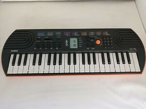 Casio Electronic Keyboard SA76 - 44 Mini Sized Keys - Tested - Built In Speakers