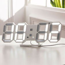 LED Wecker Digital Alarmwecker Uhr Beleuchtet Schlummerfunktion Alarm USB