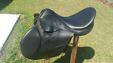 Industria Argentina all leather 16 jumping saddle