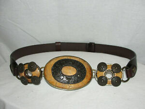 CHICO'S Brown Leather Belt w/Snap Closure Brass Fixture Three Medallion Accents