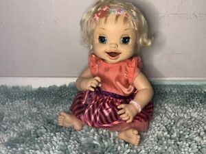 BABY ALIVE: BLONDE LEARNS TO POTTY! Comes WITH batteries and works perfect!!