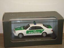 Mercedes E-Klasse Saloon Polizei - Herpa 1:43 in Box *37357