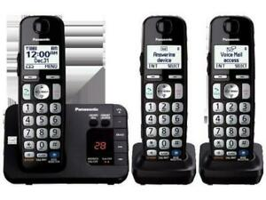 Panasonic KX-TGE233B Expandable 3 Handset Cordless Phone System-Tested &Complete
