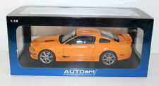 Voitures, camions et fourgons miniatures orange AUTOart