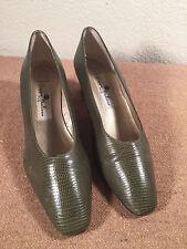 Woman's Green Italian Made Leather Shoes Gruppo Italiano 7B Pumps Heels
