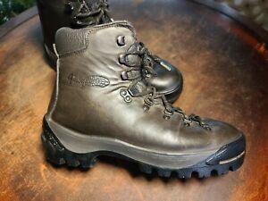 $350 Vintage Vasque Mountaineering Hiking Boots Italy Men's 8 C Women's 9.5 M