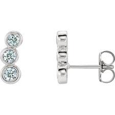 Diamante Tres Piedras Oreja Escaladores en Platino( 1/2 Ct. Tw