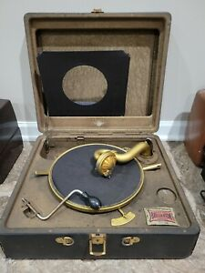 Antique Victor Victrola Portable Player w Orthophonic Reproducer.  FREE SHIPPING