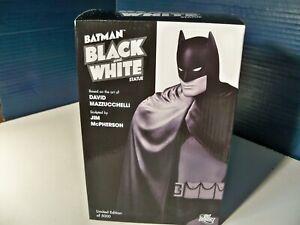 Batman Black and White Statue David Mazzucchelli Batman 1035 of 5000 1st edition
