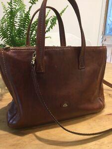 THE BRIDGE tan leather bag, detachable shoulder strap, lots of pockets.