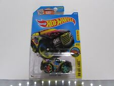 Chrysler 300C Hot Wheels 1:64 Scale Diecast Car *UNOPENED*