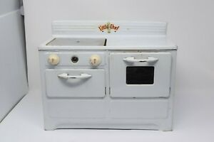 VINTAGE LITTLE CHEF Toy Stove Oven Range Metal Tin Toy 1950s AS IS