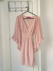 BOOHOO, size 8 pink long sleeved summer dress, used, Great condition!