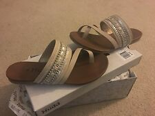 Mudd womans $49.99 teens embelished sandals shoes NEW 6.5 tan