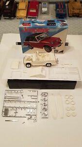 Vintage 1968 MPC 2068-200 Jeepster Partial Built 1:25 Scale w/box Rare