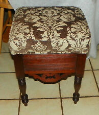 Solid Walnut Shoe Shine Box / Stool / Footstool (St156)