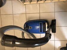 Miele S8 Parquet & Co 2200 W Blau